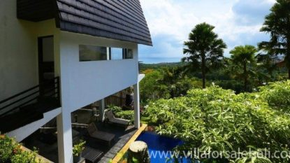 Incredible 9 bedrooms villa with wonderful view in Pecatu