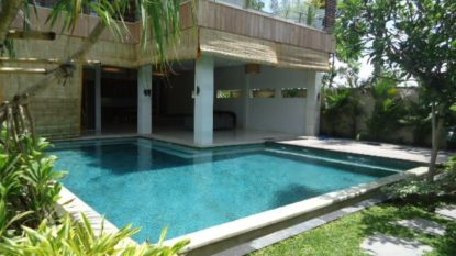 Tropical villa in Canggu
