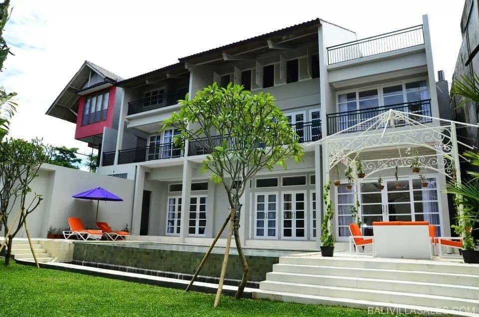 Brand New 5 bedroom villa in Nusa Dua