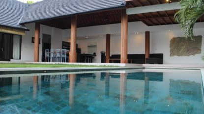 Beautiful 3 bedroom villa with lush garden in Jimbaran