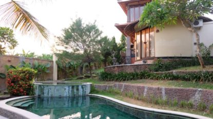 Tropical 5 bedroom villa in Pererenan
