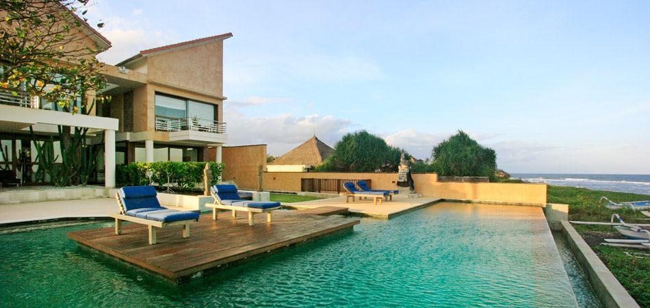 Luxury Villa Set On Beach Front Freehold Land
