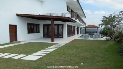 Beautiful 3 bedroom villa with rice field view in Canggu area