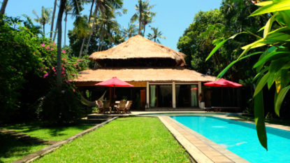 Beautiful wooden villa in heart area of Seminyak