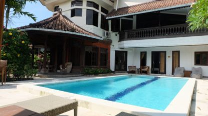 5 bedroom private villa close to the beach