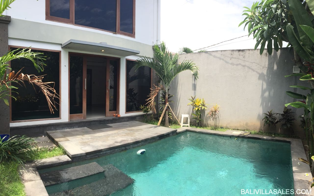 Leasehold 4 bedroom villa in good area in Sanur