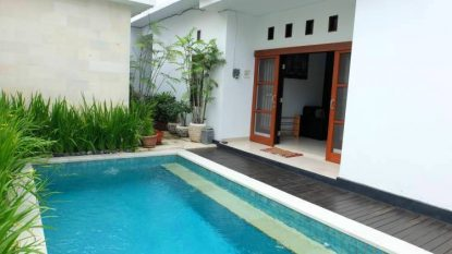4 bedroom house with pool in Seminyak area