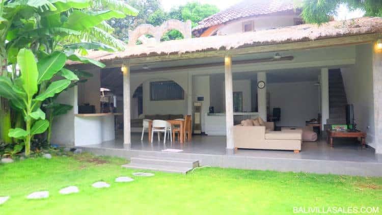 2 bedroom villa in great Seminyak location!