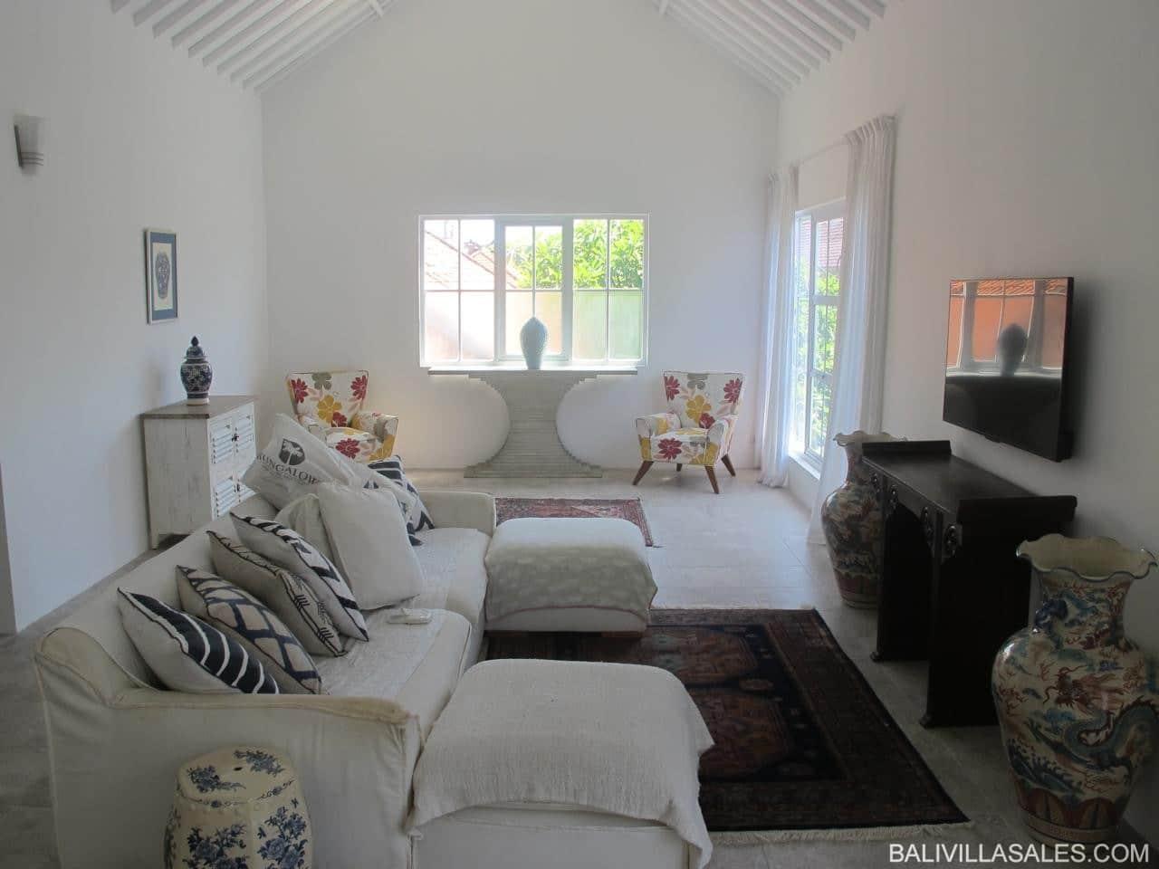 New Stylish 3 bedroom apartment with Pondok Wisata in Central Seminyak