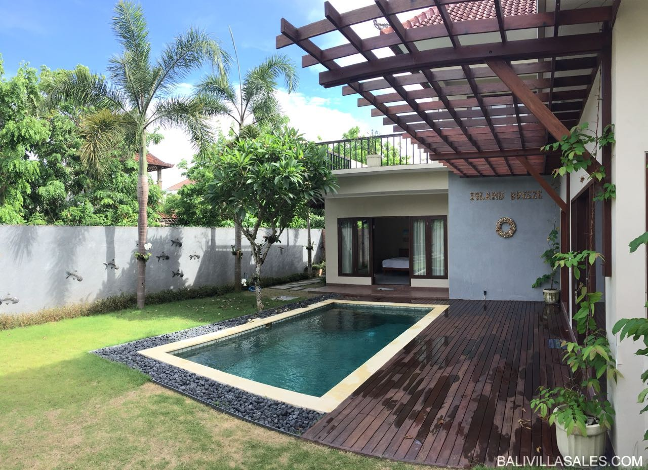3 bedroom private villa in Jimbaran-walking distance to the beach