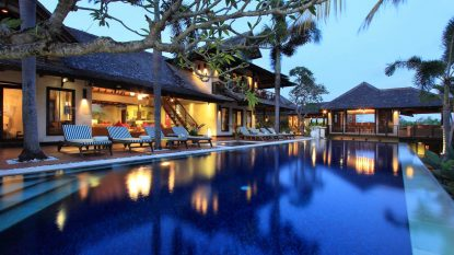 Amazing 5 bedroom villa in Canggu on over 33 ARE