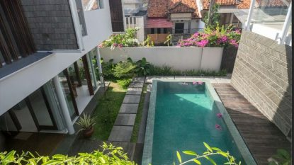 5 bedroom villa in residential area in Jimbaran for Freehold Sale