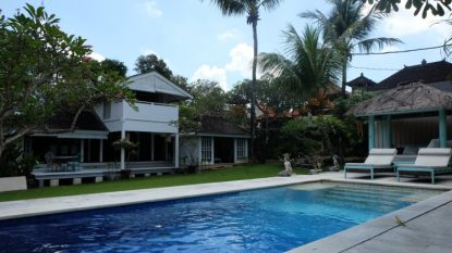 Beautiful 3 bedroom villa on large plot in prime Beach Side area of Seminyak