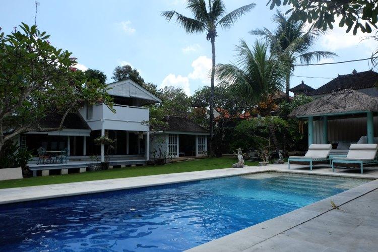 Beautiful 3 bedroom villa on large plot in prime Beach Side area of Seminyak