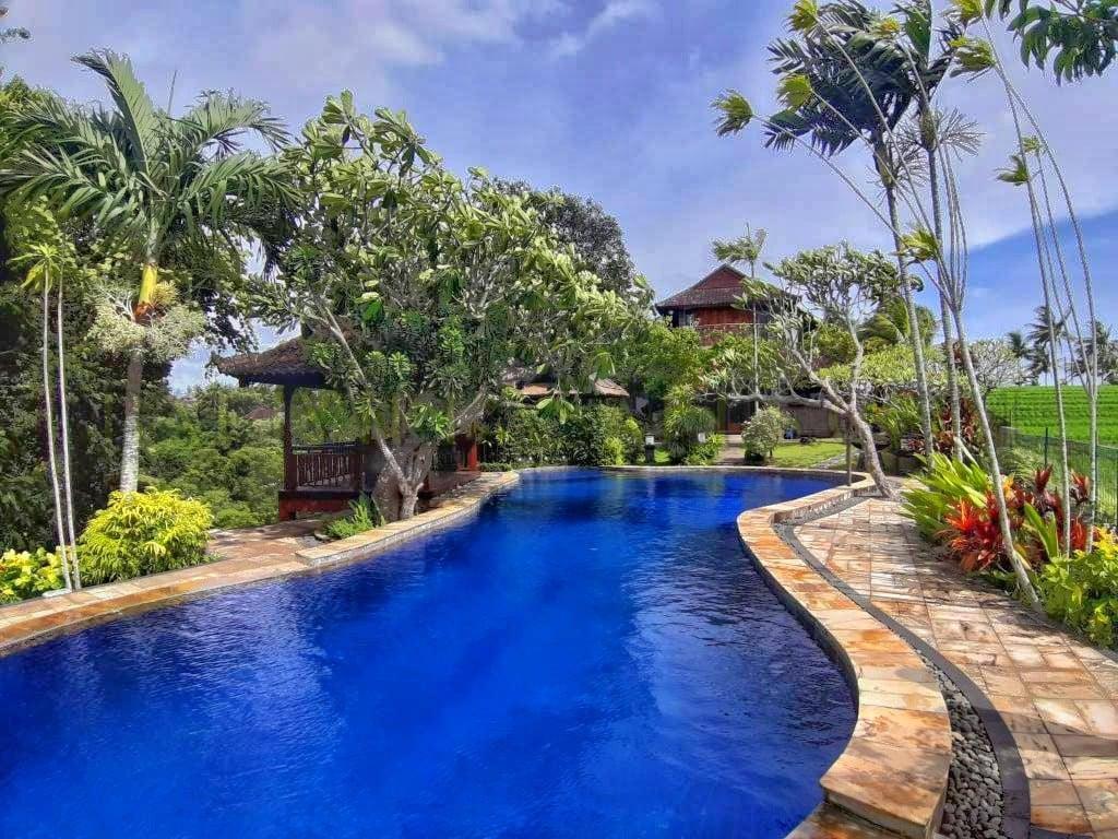 Hot Deal — 3 unit villa on 3400 SQM land in Tabanan
