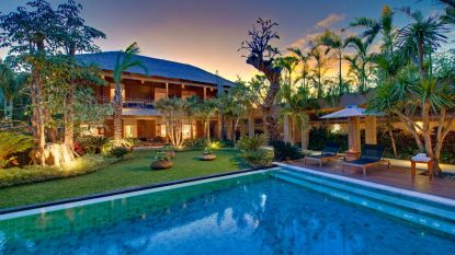 Freehold 6 bedroom luxury villa in seminyak