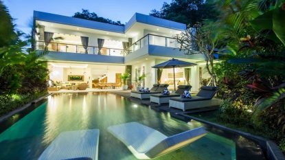 4 bedroom villa with holiday rental license!                                  In the heart of Seminyak!