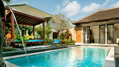 TROPICAL 2 BEDROOM W ENCLOSED LIVING AREA – DOUBLE SIX