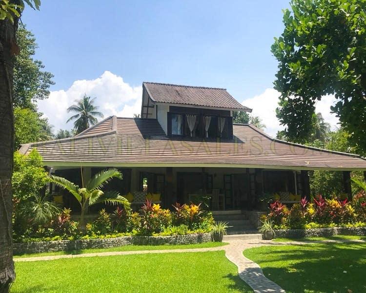 Beachfront Villa In North Bali