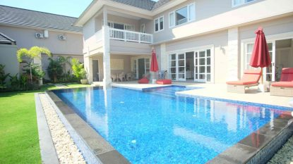 Modern Villa for Family with Office Room – Beachside Sanur