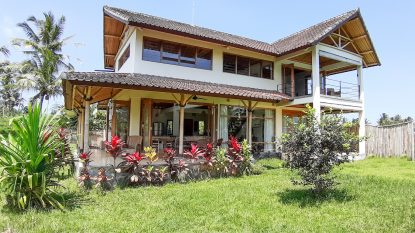 Spacious 2 bedroom bright villa with rice field View