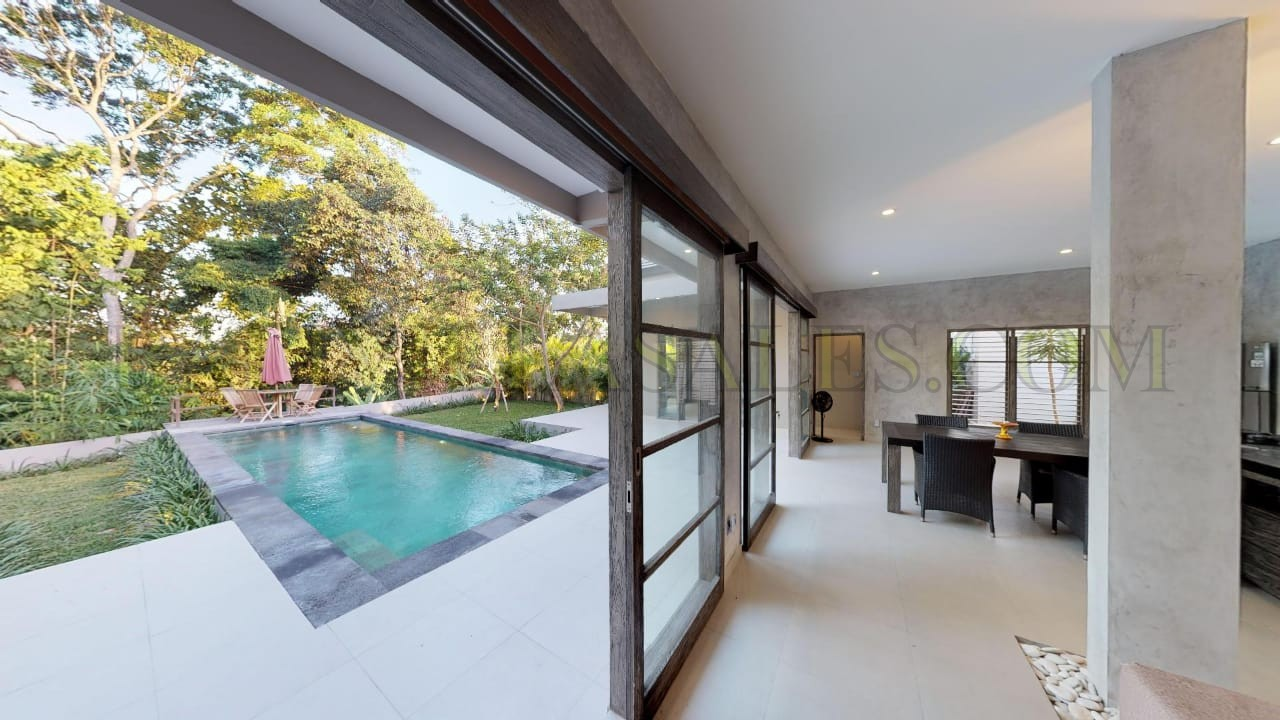 Modern villa with Green space view in Tumbak Bayuh