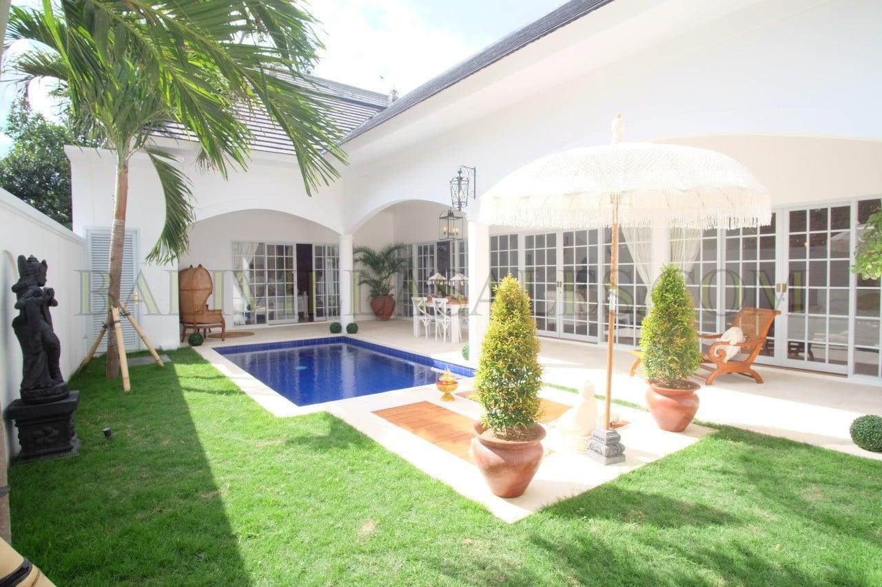 Colonial Modern Villa in Central Ubud – Plus