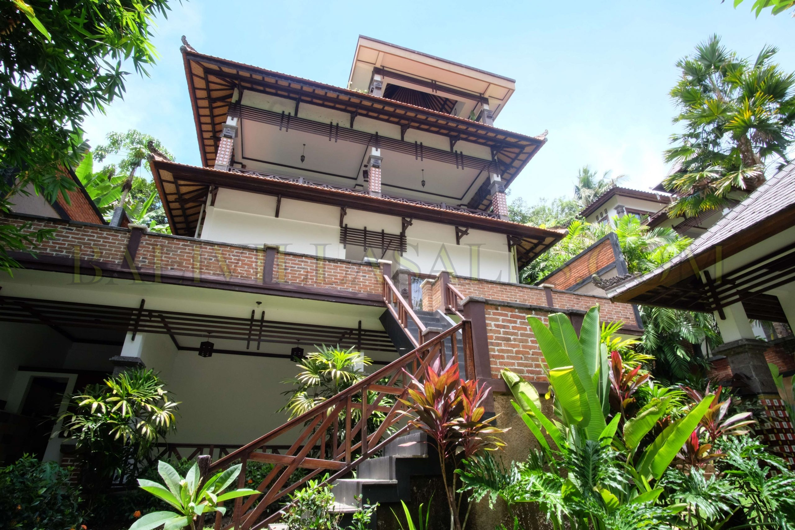 Beautiful 5 Bedroom Villa  on 10ARE in Nyanyi