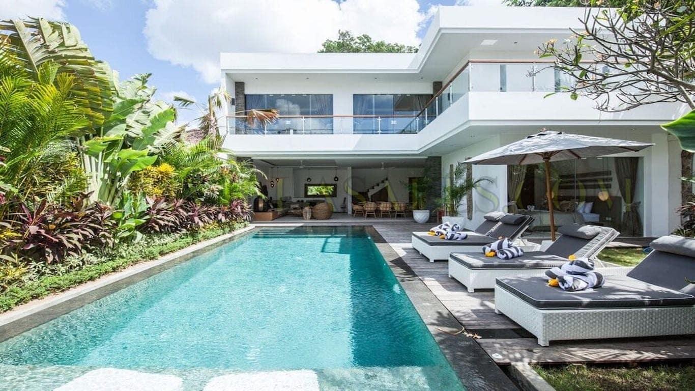 4 BEDROOM TURN-KEY VILLA CANGGU ( 2 villas finished in June 2021 !)