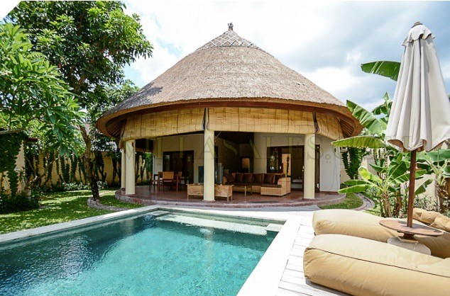 TROPICAL VILLA IN CANGGU- WITH A LONG LEASE