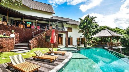WONDERFUL VILLA  WITH  HUGE 26.5 ARE LAND IN NYANYI