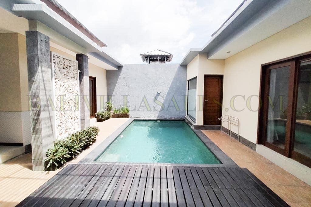 Three Villa Complex for sale Freehold in Kerobokan