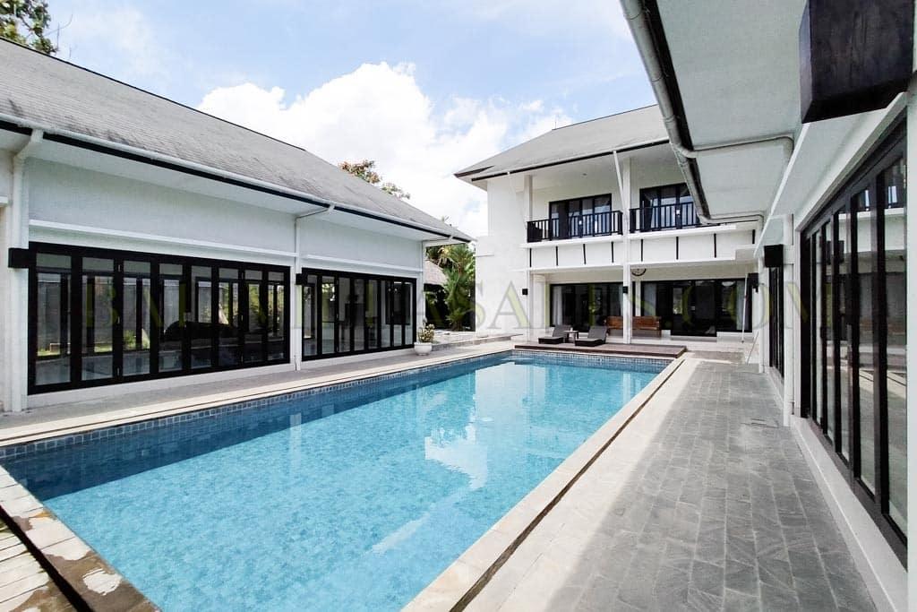 3+1 Bedroom Villa with large plot in top choice Umalas neighborhood