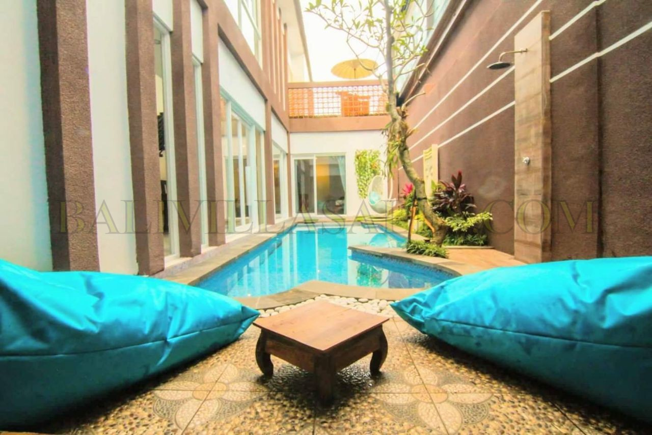 Stylish 3 bedroom villa in Sanur – Walk to the beach