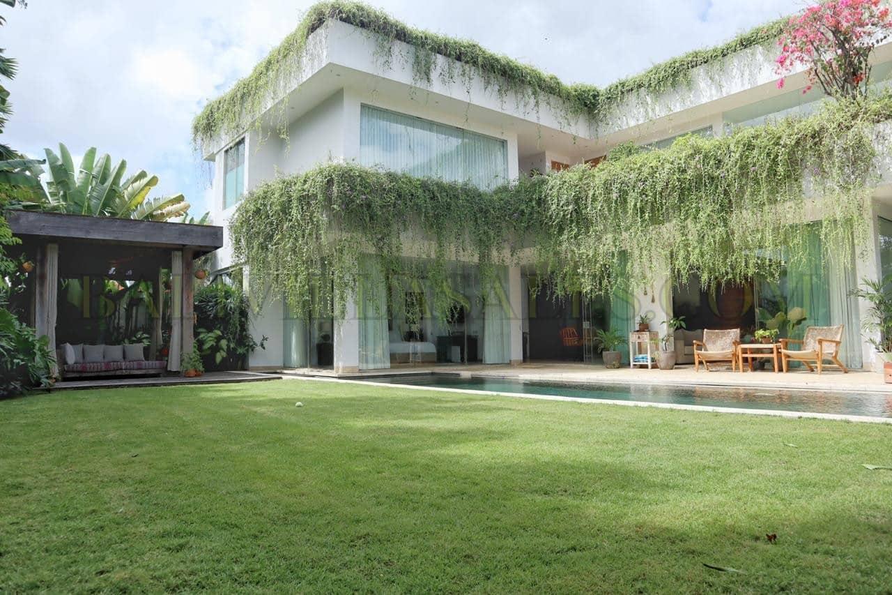 Modern Family Villa