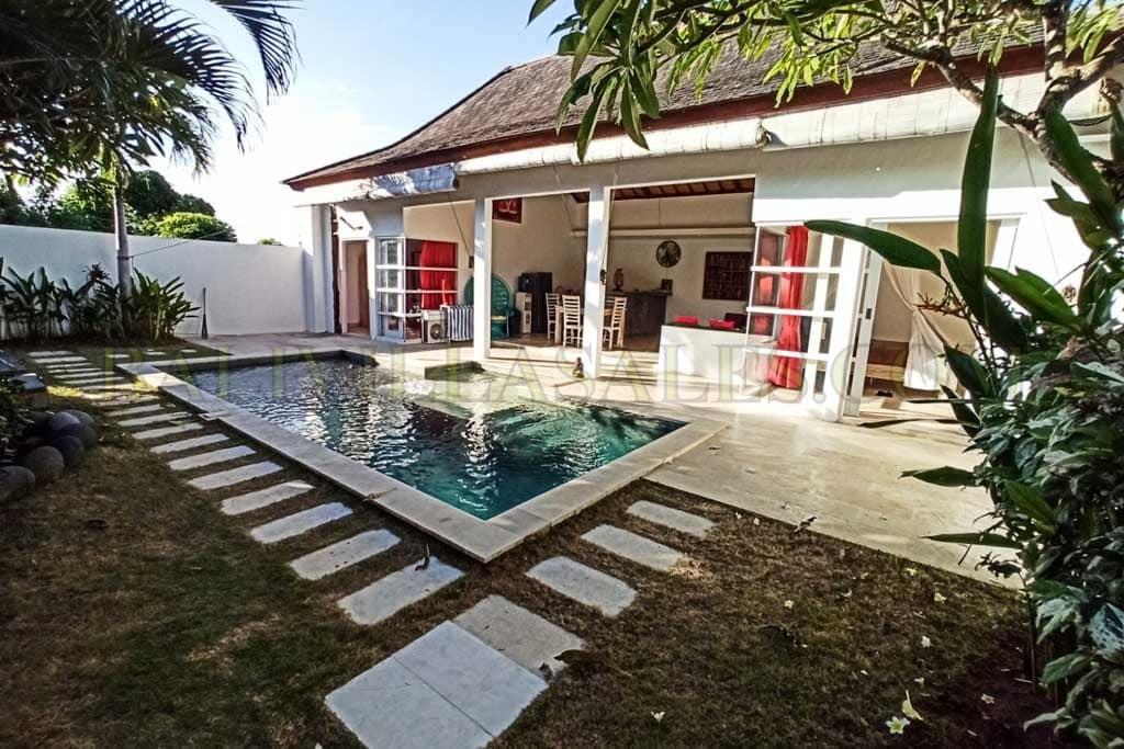 2 Bedroom villa for sale leasehold in Pantai Balangan