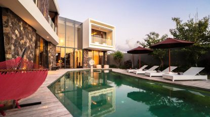 LUXURY VILLA overlooking the Indian Ocean in a most appealing location.