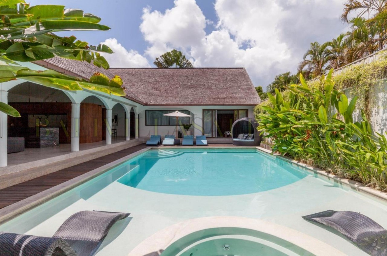 LEASEHOLD – 25 YEARS – 5 BEDS – PRIME AREA OF SEMINYAK