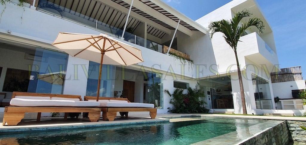Creative & Thoughtful designed 3 bedroom Villa