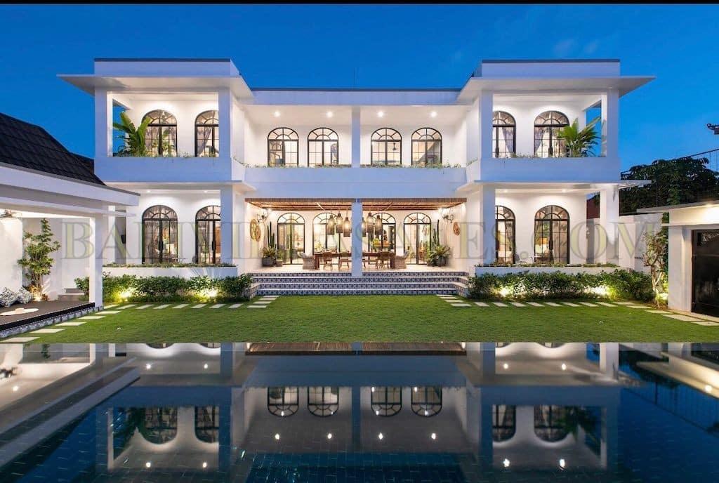 Brand new 5 Bedroom villa located in Canggu, Tiying Tutul